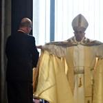 Ferenc pápa a menekültek mellett és a terrorizmus ellen szólalt fel