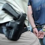 Két kilogramm drogot találtak az iskolai dílernél