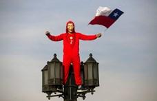 Lerombolják a chicagói fiúk építményét Chilében