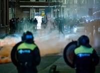 Könnygázzal és vízágyúval oszlatták az erőszakos tüntetőket Hollandiában