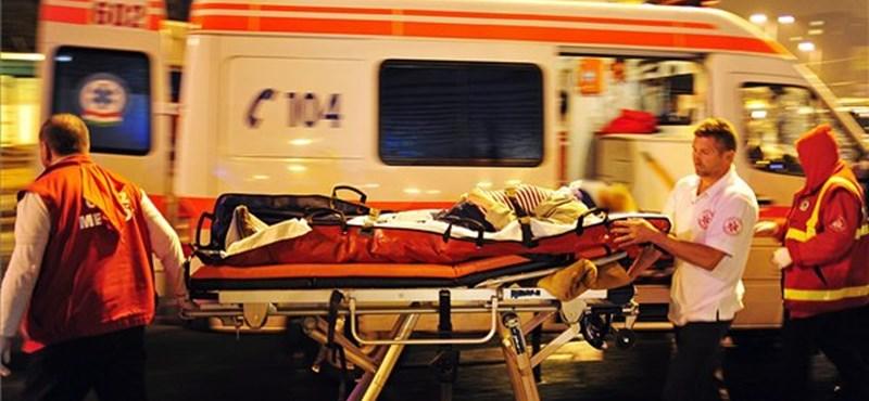 Két autó ütközött a 84-esen, útlezárás Sümegnél