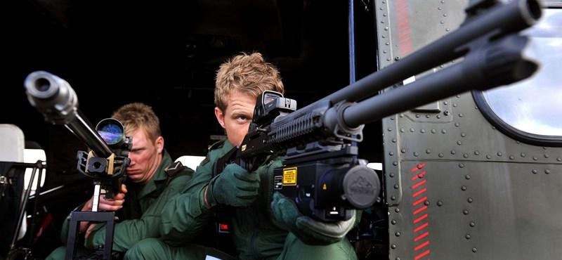 """""""Mesterlövészek"""" váltják a """"géppuskásokat"""" a NAV-nál"""