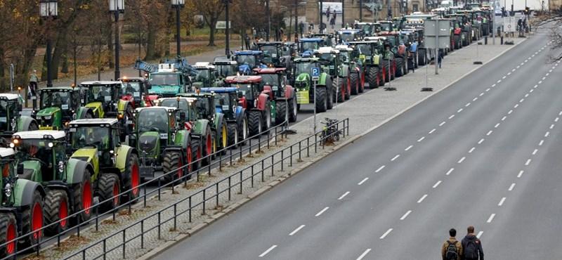 Több ezer traktor vonult Berlin és Párizs utcáira a zöldintézkedések miatt