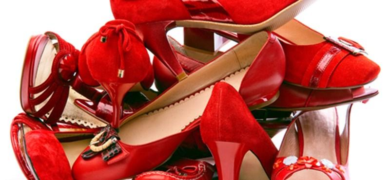 Bírósági döntés: nem csak Louboutiné a piros cipőtalp