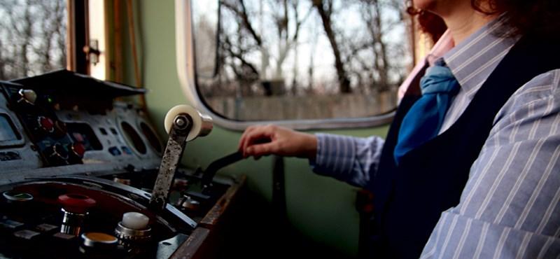 Mennyit keresnek a BKV-járművezetők és a mozdonyvezetők?
