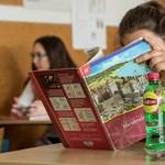"""Nem engedték használni a """"piros atlaszt"""" a töriérettségin? Az Oktatási Hivatalnál senki nem panaszkodott"""