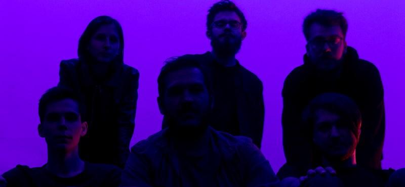 """Vámpírok, boszorkák és egyéb élőlények – itt a """"pécsi Radiohead"""" új nagylemeze"""