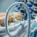 Lélegeztetőgépek kezelésére tanítják be a védőnőket Szegeden