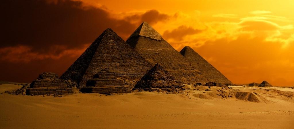 piramis nézet