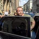 Új autója van M. Richárdnak, egy 41 milliós Merci
