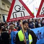 Béremelést követeltek a tüntető tanárok