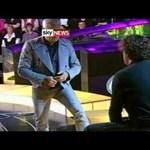 Videó: tévéműsorban pofozkodott az orosz médiamágnás