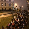 Blokkolják a tüntetők a Lánchidat