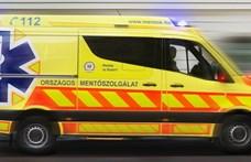 Úgy ágyékon rúgta játékból a budapesti nő a férjét, hogy mentőt kellett hívni