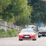 Megtréfálta a Lada Niva a 680 lóerős Nissan GT-R-t – videó