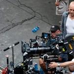 Bruce Willis a Liszt Ferenc téren sétálgatott feleségével