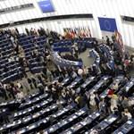 """""""Pszichológiai terrorizmus"""" – kiakadt az EP Orbán bevándorlási kérdőíven"""