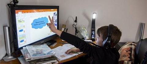A híres digitális oktatás és minden, ami vele jött - tapasztalatok és következmények