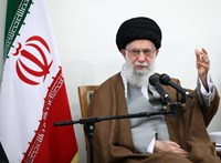 Céltévesztés Iránban: nemcsak a lelőtt ukrán gép miatt van bajban az ajatollah