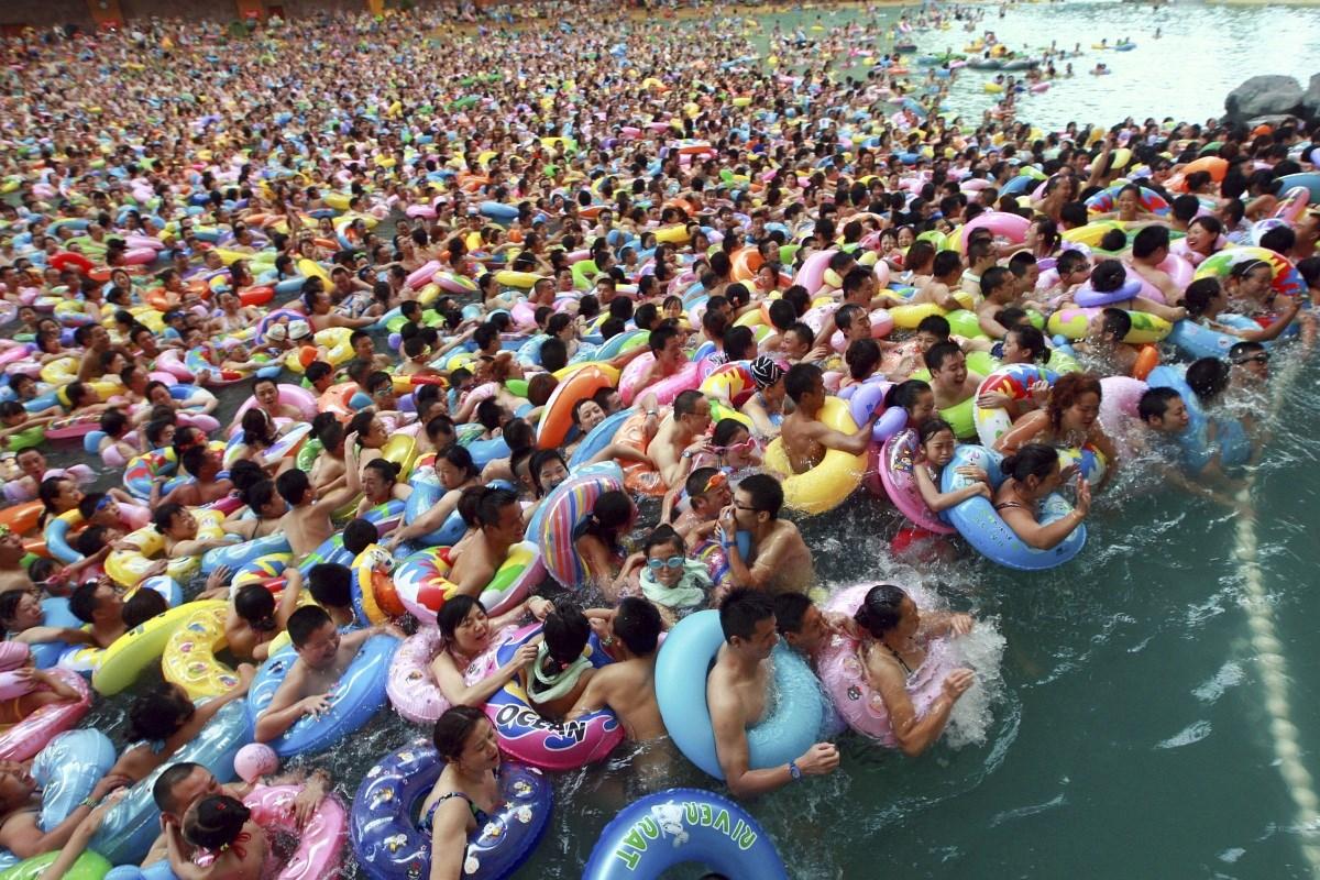 Fotó: mozdulni sem lehet a legzsúfoltabb kínai strandon