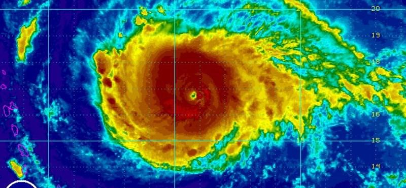 Jön Irma, jön a szükségállapot Floridában