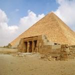 Bérre még jut, de a piramisok megóvására már nem futja Egyiptomban