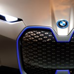 Megnéztük a jövő BMW-jét, mutatjuk az erősen futurisztikus autót