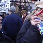 """""""Ez nem tüntetés!"""" - magukat is kritizálták a BKV-sok a Kossuth téren - videó"""