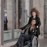 Keserédes videóval búcsúzik színházától az Örkény társulata