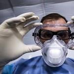 Különleges védőfelszerelést írtak elő a háziorvosoknak, de nem lehet kapni
