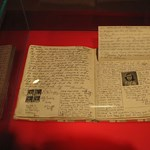 Közzétették Anne Frank naplóját a neten a botrány ellenére is