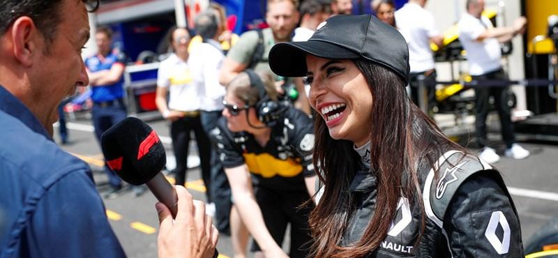 Néhány napja még nem is vezethetett, de a hétvégén már F1-es autóba ült