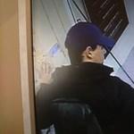 Ez a fiatal férfi rabolta ki a Retek utcai ékszerboltot, keresik – fotó