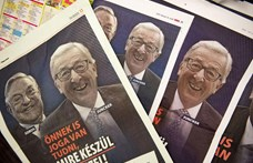 Merkel Juncker mellé állt, miután a magyar kormány plakátokon támadja