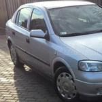 Opel Annának egy dögös kis fruska miatt mennie kell – itt egy elég egyedi autóhirdetés