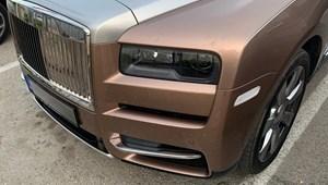 110 millió forintos magyar Rolls-Royce terepjárót fotóztak Korcula szigetén