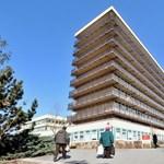 Epilepsziás terhes nőt hagytak cserben egy budapesti kórház előtt