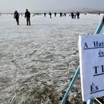 A fagy jó oldala: lehet korcsolyázni hétvégén a Velencei-tavon