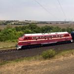Balesetveszélyes helyzet alakult ki Hort-Csánynál, nem járnak a vonatok
