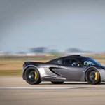 Így száguld a világ leggyorsabb autója - videó