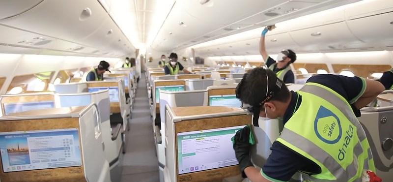 Videó: Így fertőtlenítik a repülőgépeket belülről a koronavírus-járvány idején