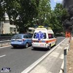 Porig égett egy rendőrségi elektromos BMW Rómában – videó