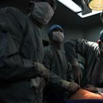 A saját alkarján növesztettek új fület egy balesetben megsérült katonanőnek