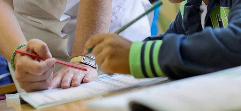 Ha nem rendezik a pedagógusok bérét, ugyanaz lesz a helyzet, mint 2002-t követően?