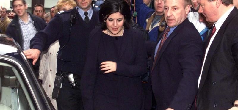 Megint kitárulkozik a spermafoltos ruhájáról híres Clinton-szerető