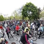 Vasárnap délután kivételesen a biciklisekhez igazítják Budapest közlekedését