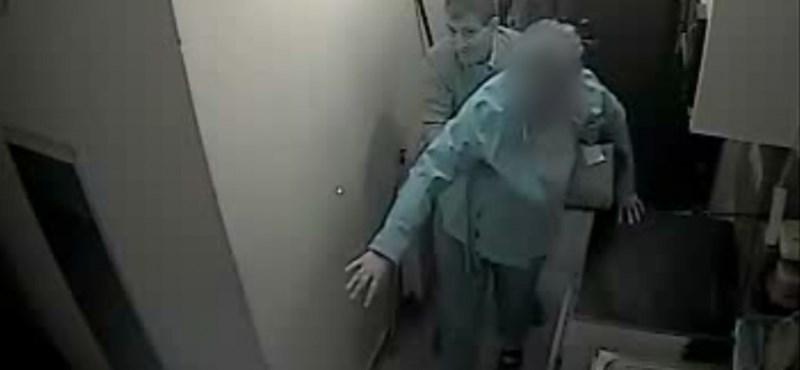 Beginázta a nőt, majd a lakására ment és kirabolta