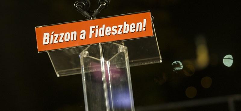 Kósa feleségének barátnője tréningezte 7 millióért a Fidesz-frakció munkatársait