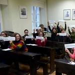 Még Litvániából is biztatják a népszabisokat – fotó