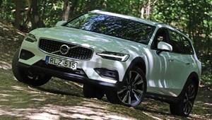Zöld rendszámos izompacsirta és bakancsos terepes: Volvo V60-teszt